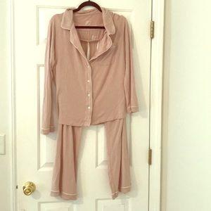 Gillian & OMalley pajama set